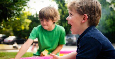 Kako pomoći djeci da pronađu prijatelje