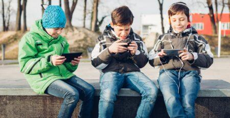 Tableti i mobiteli ugrožavaju zdravlje djece