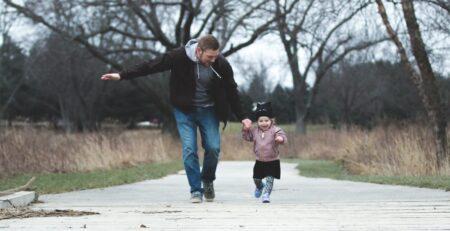 Uključenost oca u brigu o djetetu nosi dobrobiti za oboje