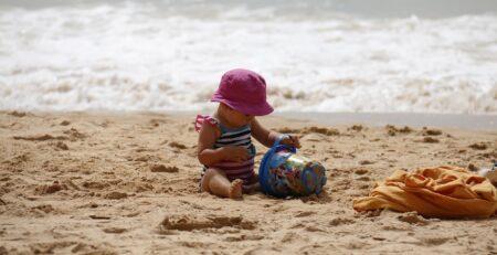 Zašto bi se djeca trebala igrati u pijesku?