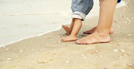 Pustite djecu da hodaju bosa